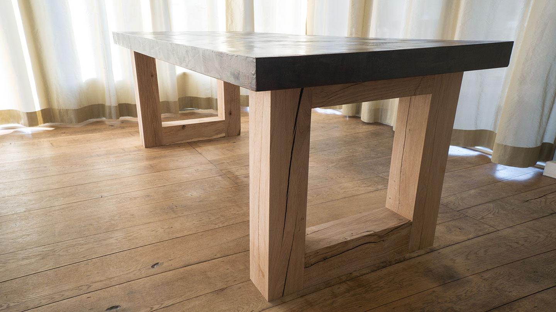 Beton cire tafelblad, eiken poten. Diverse afmetingen. Gemaakt door Kalk & Co